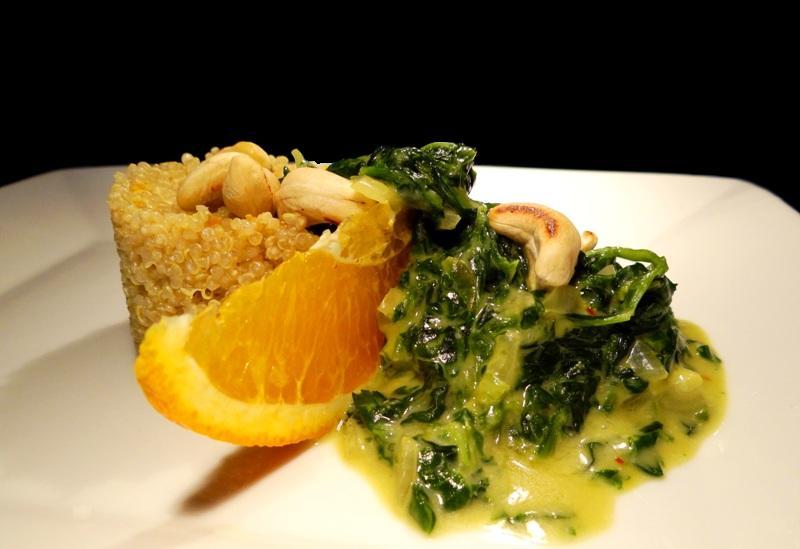 Quinoa mit Cashew-Spinat
