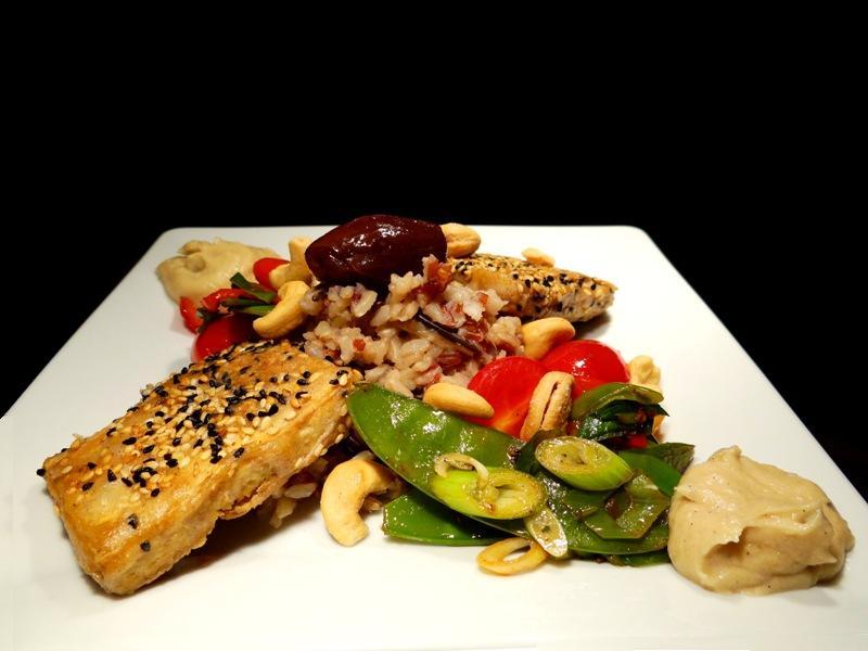 Tofu mit Dattel-Wildreis